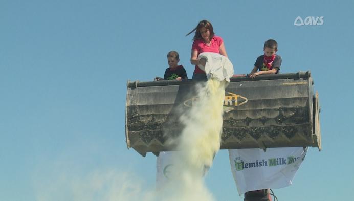 Melkveeboeren houden ludieke protestactie