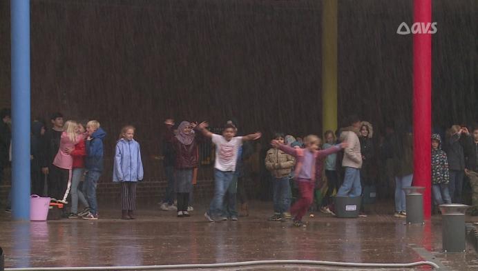 Geen plaats voor een regenput? Jenaplanschool heeft een regenwaterzak