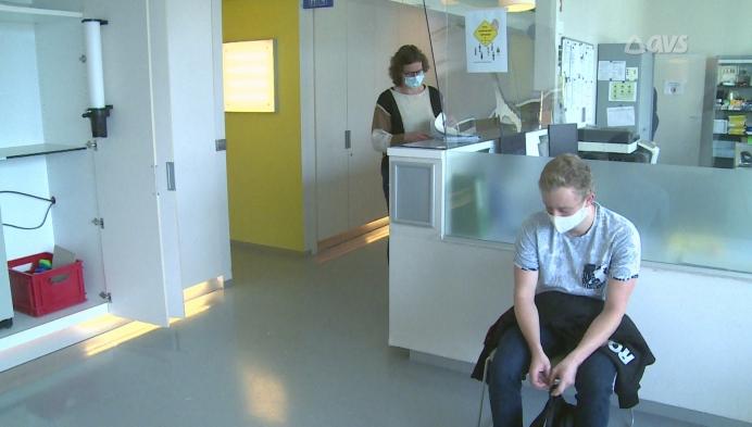 UZ Gent zoekt 2000 proefpersonen voor laatste fase coronavaccin