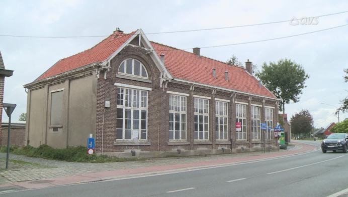 Discussie over verkoop voormalige gemeenteschool Nederzwalm